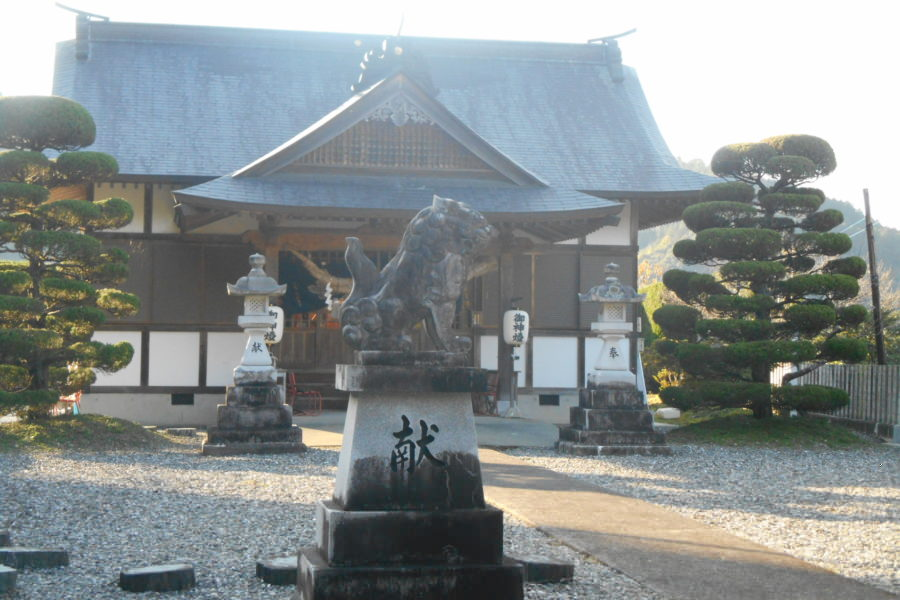 DSCN2182 1 900x600 - 2016年11月 剣山を訪ね、女神の遊雅さを楽しむ女神ツアー