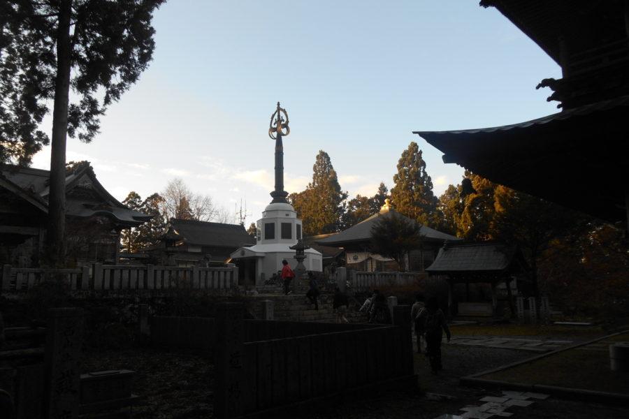 DSCN2214 900x600 - 2016年11月 剣山を訪ね、女神の遊雅さを楽しむ女神ツアー