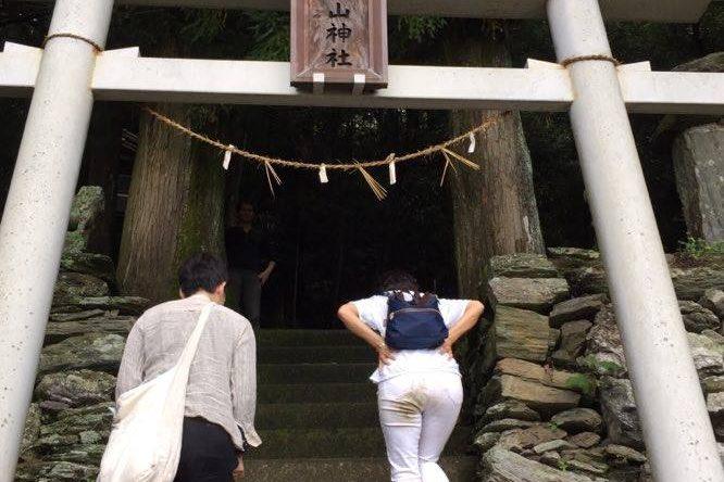 14542713 1190163557717832 1576087342 n 666x444 - 2016年11月 剣山を訪ね、女神の遊雅さを楽しむ女神ツアー