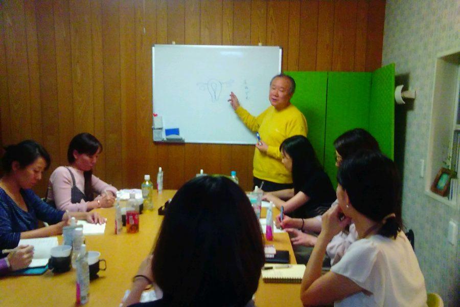 20181003190634 1 900x600 - 2018年10月3日 愛の子育て塾第13期第2講座開催しました。
